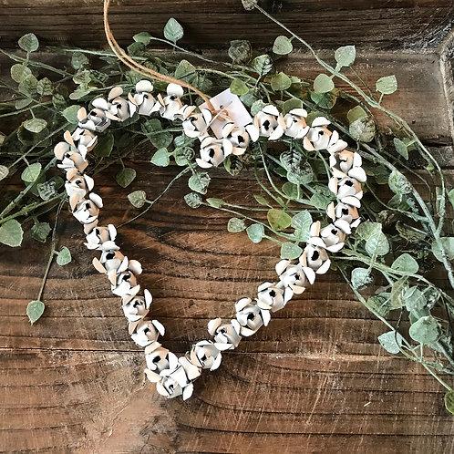 Metallkranz mit Rosen weiss