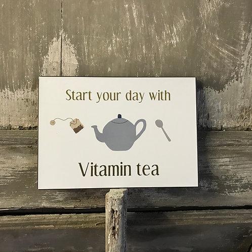 Schild:  Vitamin Tea
