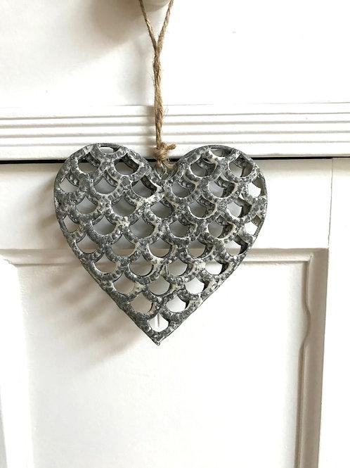 Herz aus Metall grau