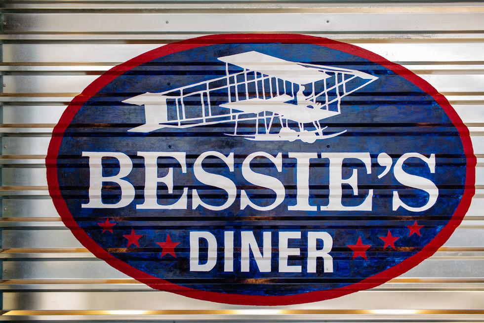 Bessies_216.jpg