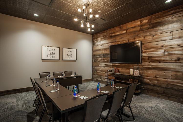 62-{Keystone Meeting Room}.jpg