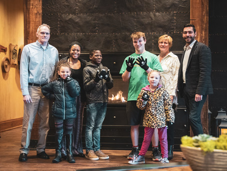 IRONWORKS HOTEL BELOIT DONATES 250 PAIRS OF GLOVES TO STATELINE BOYS AND GIRLS CLUB