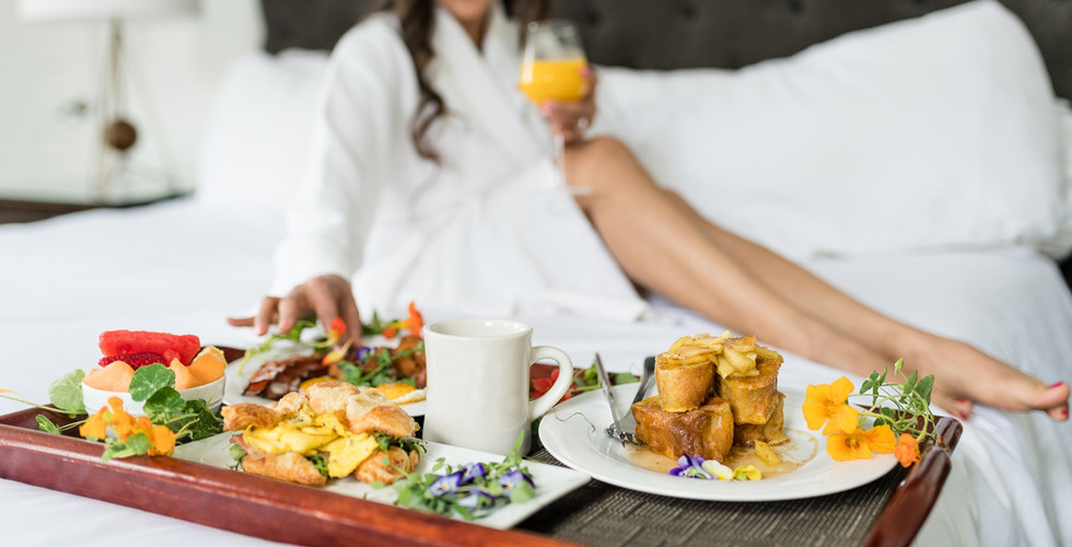 Bed and Breakfast at the Delafield Hotel