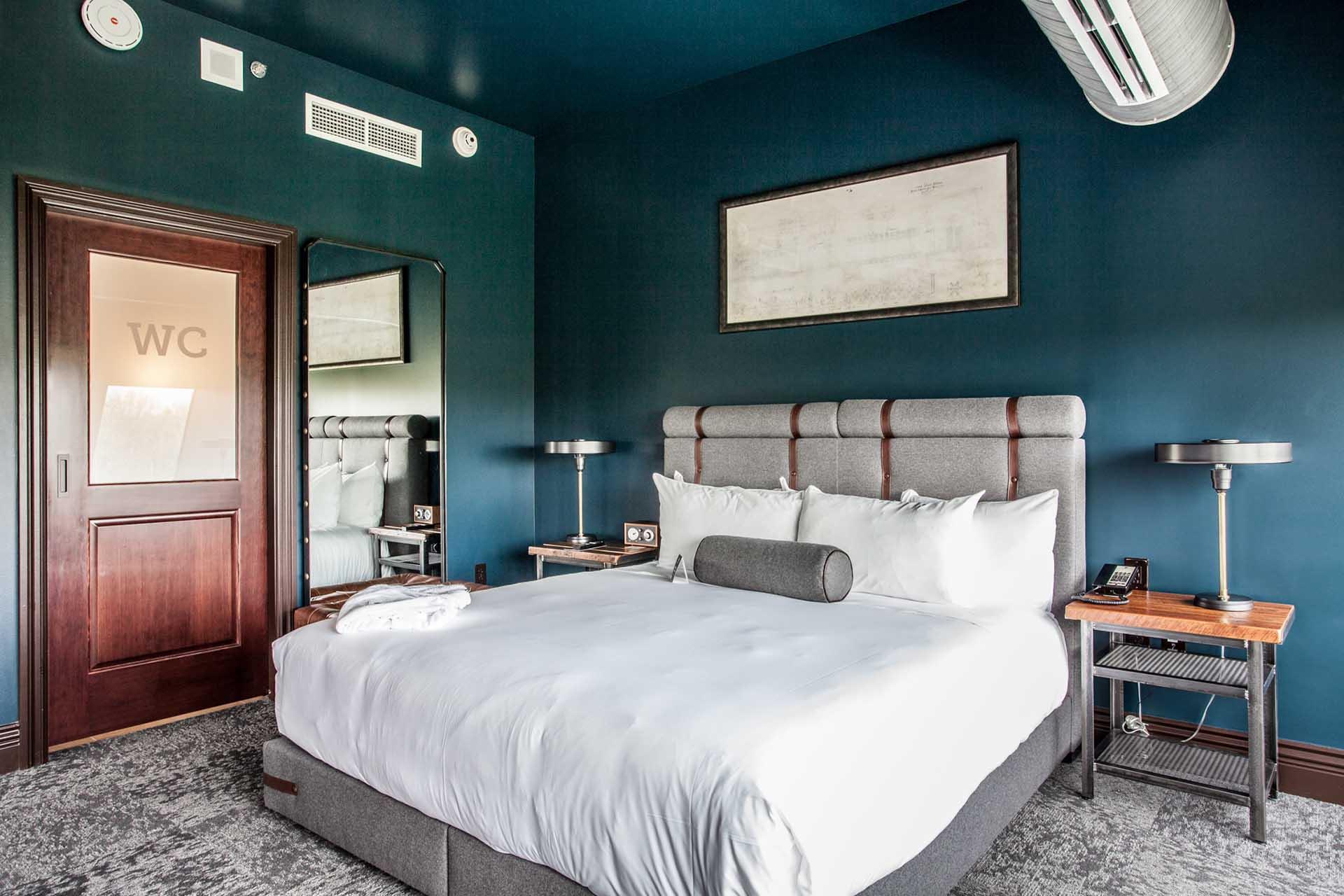 2{Legacy Suite Terrace - Hotel Tonight}