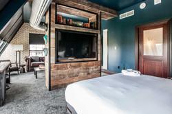 4{Legacy Suite Terrace - Hotel Tonight}