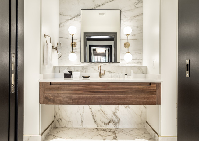 48-(Bottleworks Suite-Penthouse Bathroom