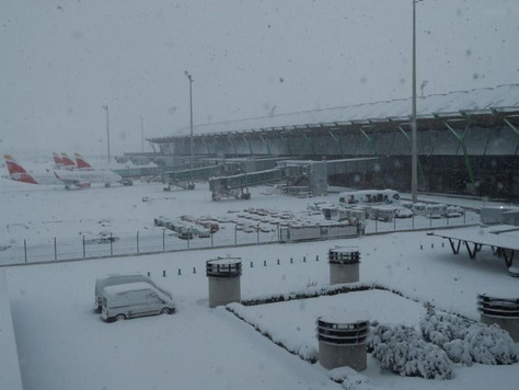 Heaviest Snowfall in 50 Years Closes Madrid's Airport