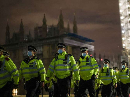 Policing bill: Plan to crack down on protests passes first Commons hurdle