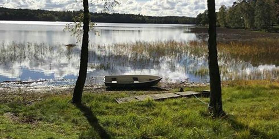 Yogavandringsdag runt Älvasjön med lunch på Ästad vingård