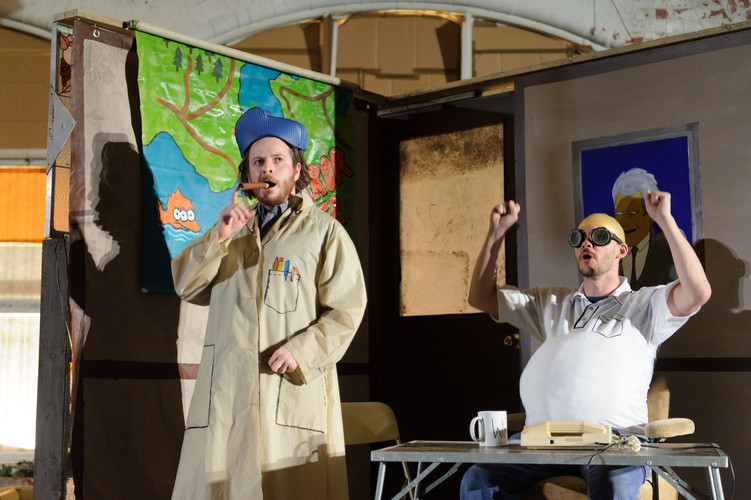 'Mr Burns, A Post-Electric Play'