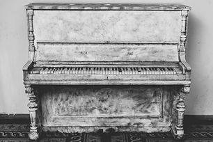 antique-black-and-white-musical-instrume