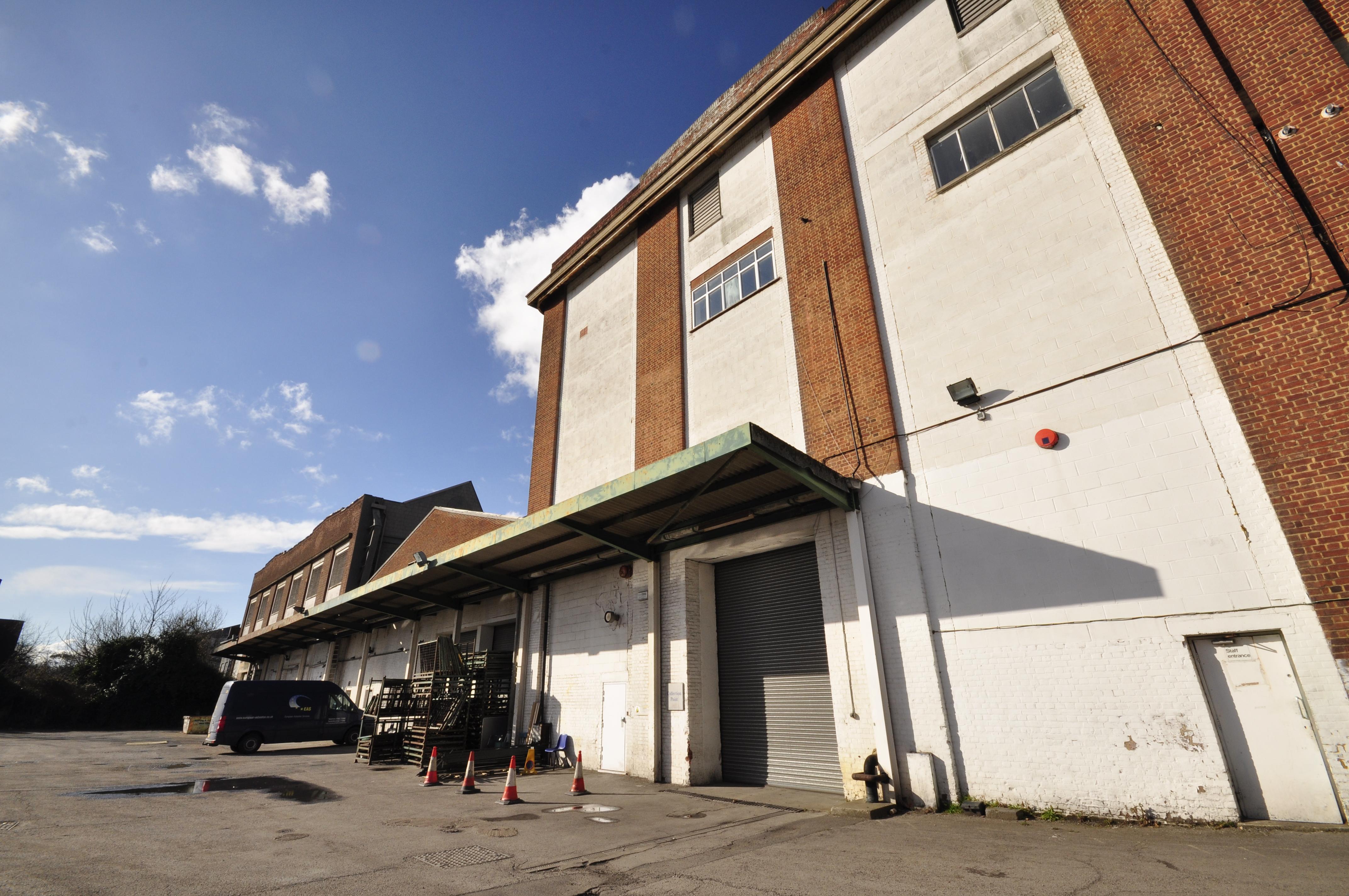 Neasden Warehouse, NW10 2XA - Unit Base Carpark - Image 1