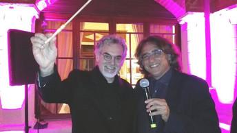 Assisi Suono Sacro 2017 consegna a Marco Testonila Bacchetta per la Pace.