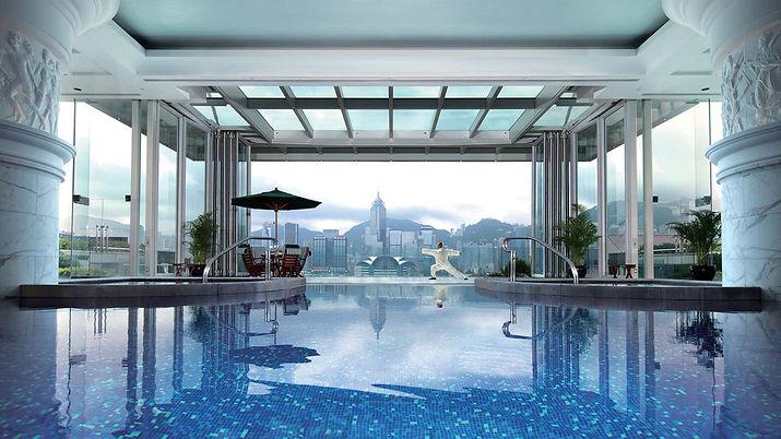 the-peninsula-hong-kong-swimming-pool.jp