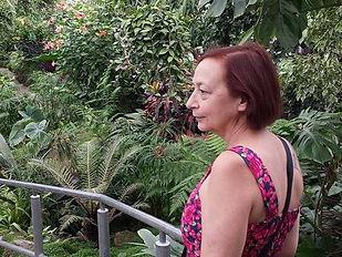 Local tou guide at Allans Garden
