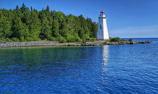 lighthouse ontario, travel ontario, travel agency ontario, travel consultant ontario, private tour, bruce peninsula travel, grey country, great lakes, canada nature, ontario nature, national park, tourism, travel guide