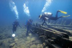 scuba diving to shipwracks