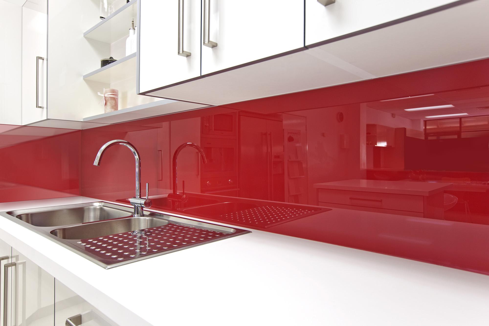 Lustrolite Rouge Kitchen Lifestyle