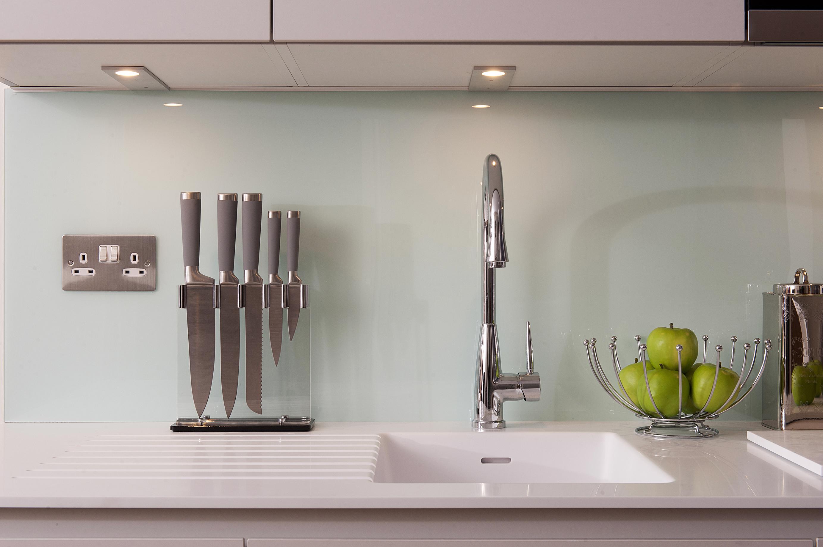 Lustrolite Glacier Kitchen Lifestyle 2-2