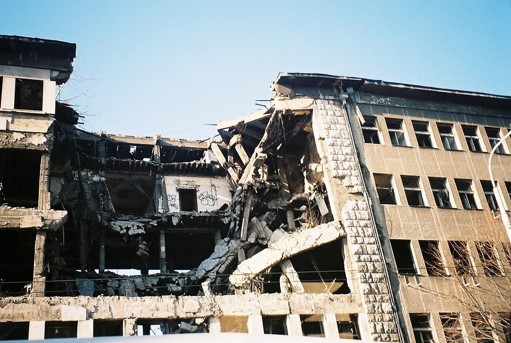 Prédio bombardeado pela OTAN em Belgrado