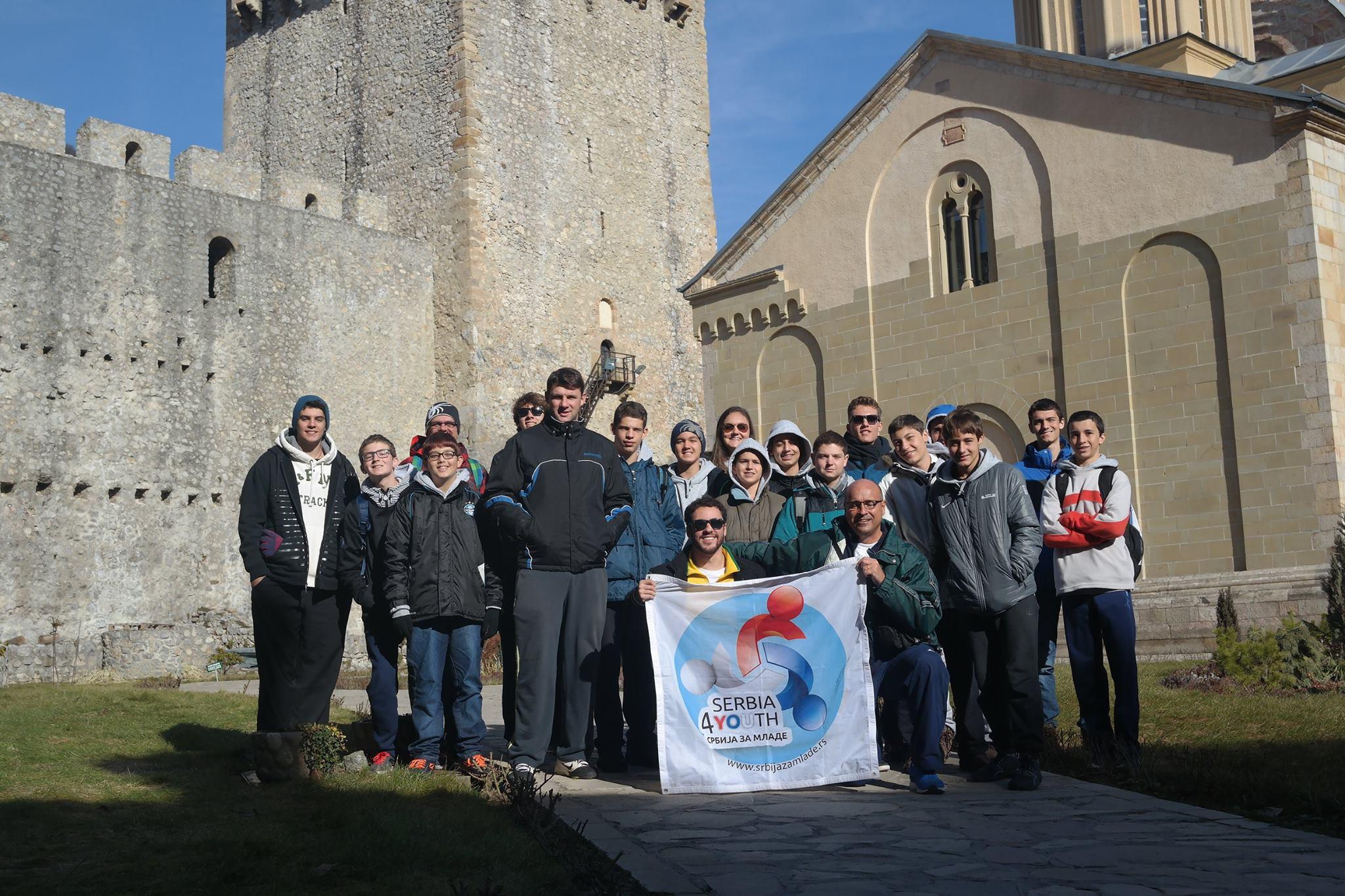 Brasileiros no mosteiro Manasija