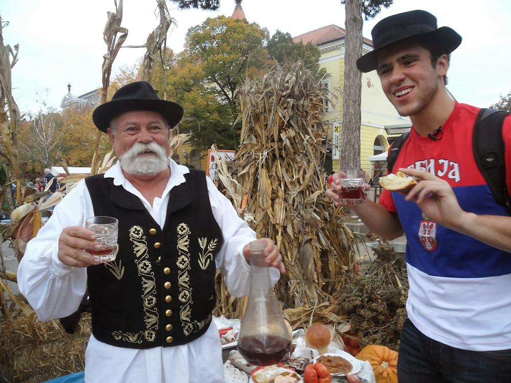 Esse é Cule - um grande exemplo da hospitalidade sérvia