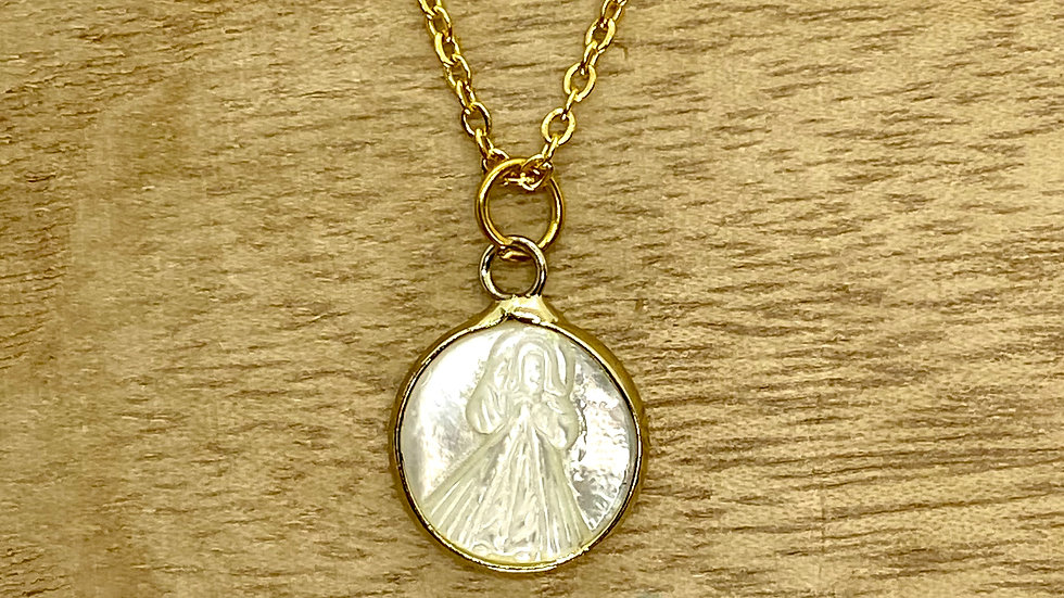 Necklace Divine Mercy mother pearl. Stainless Steel chain.