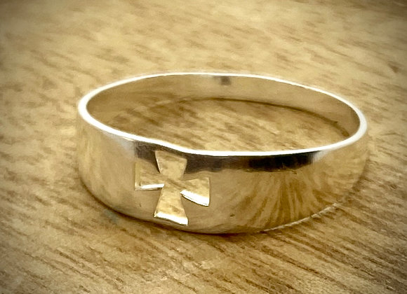 Sterling Silver Ring Cross Cut