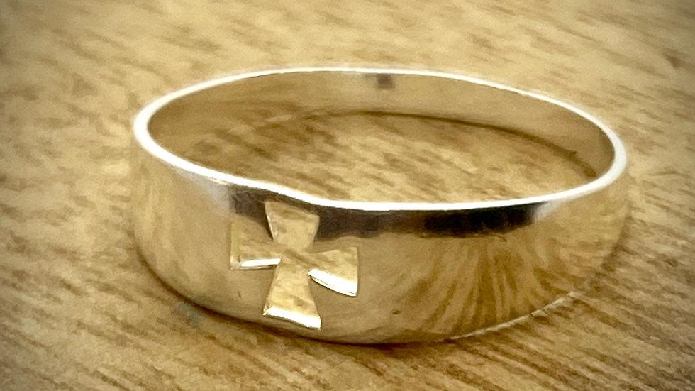 Sterling Silver Ring Cross Cut
