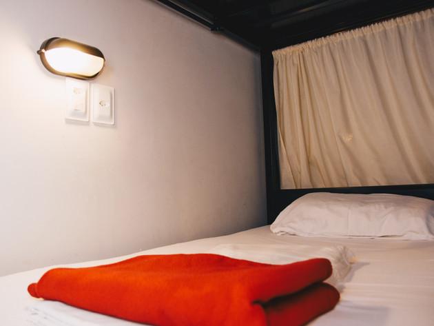 Cama individual dormitório