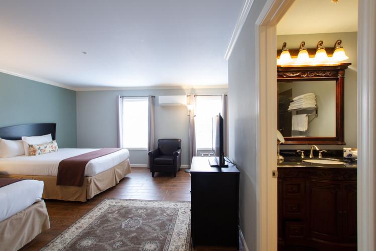 DSH Double Queen Room