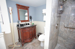McGuire Suite Bathroom