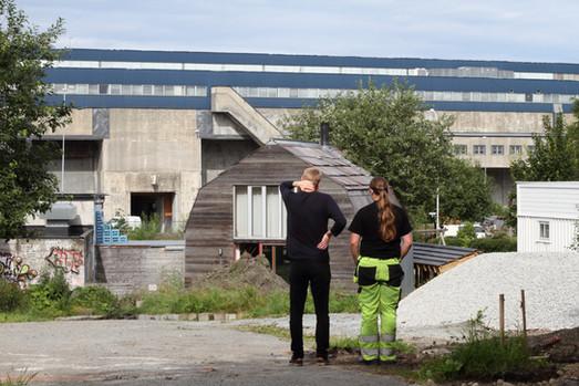 Trygve og graveren (foto: Nøysom arkitekter)