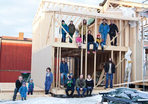Selvbyggerne, arkitektene og byggmesteren (foto: Vigdis Haugtrø)