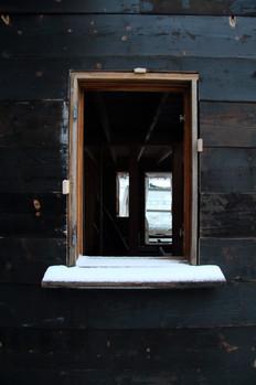 Iacobs gjenbrukte vindu (foto: Nøysom arkitekter)