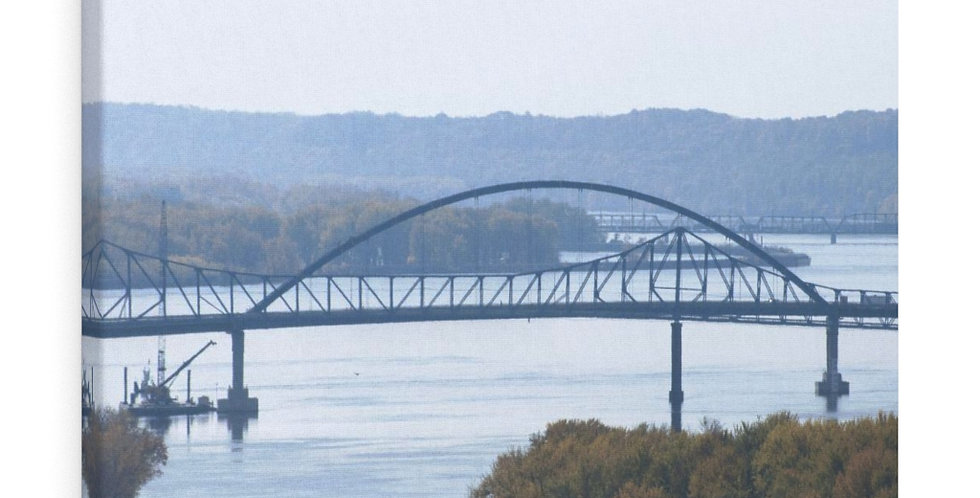 Old & New Savanna Sabula Bridge