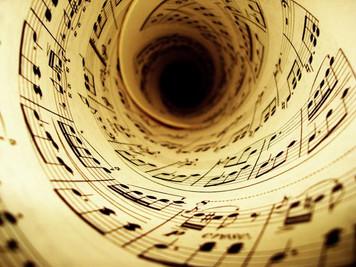 978. 楽曲に潜む反復と差異