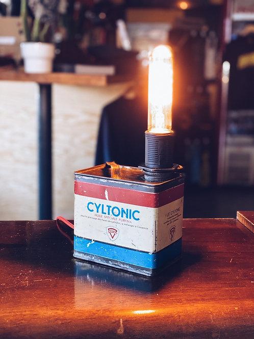 Cyltonic light