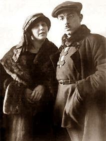 Илья Сельвинский с женой бертой. 1924