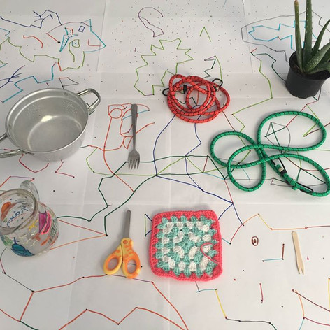 Collective drawing games for kids and adults