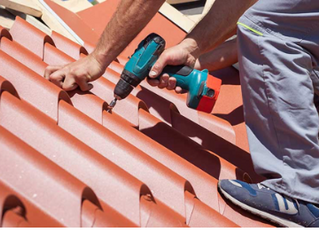 Pros and Cons of Metal Roofs for Your Home