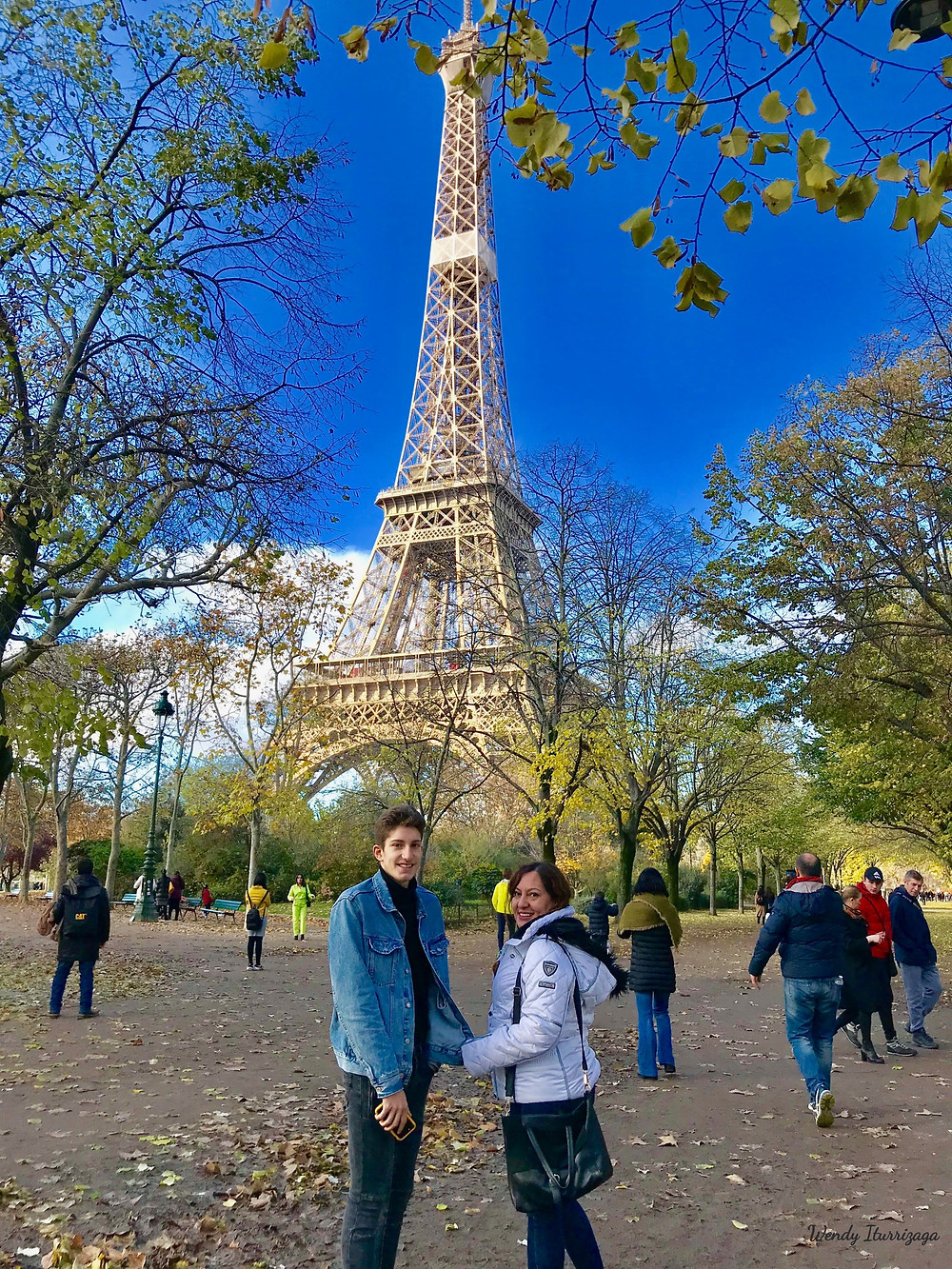 Torre Eiffel una mañana de Otoño