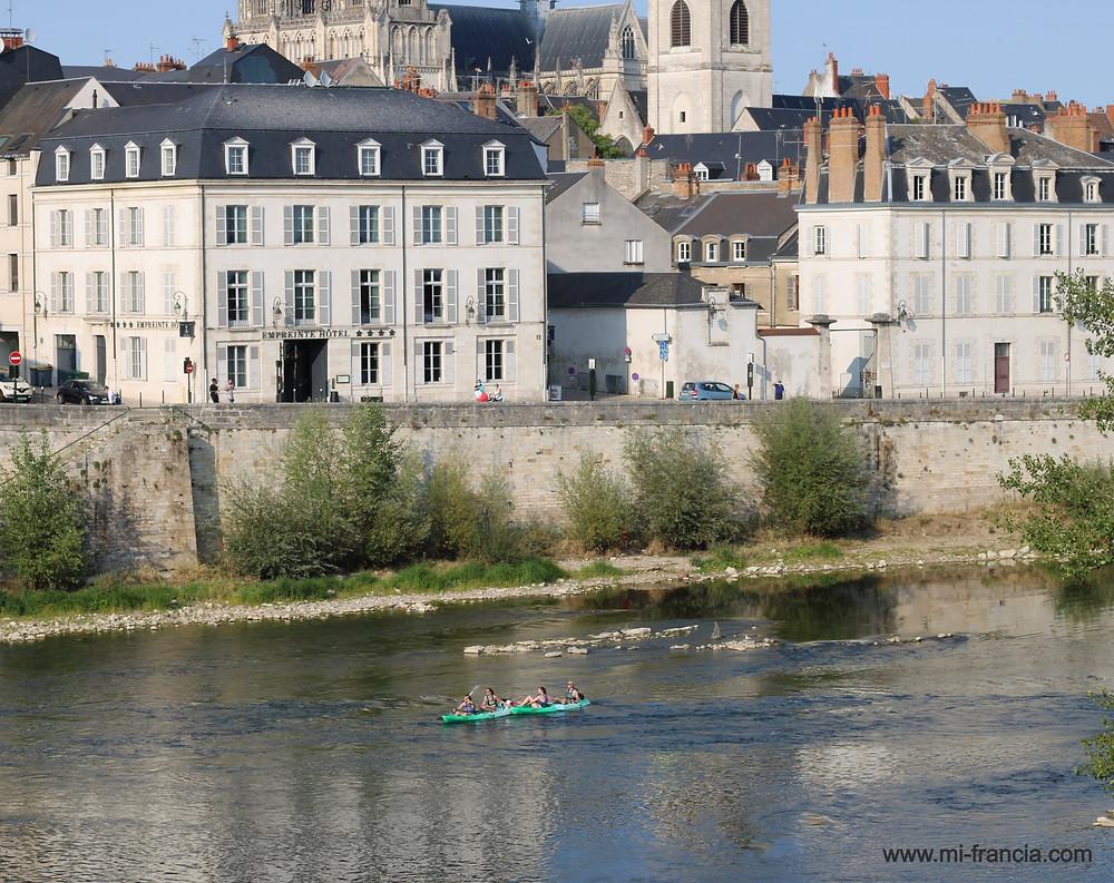 Río Loira y hotel empreinte