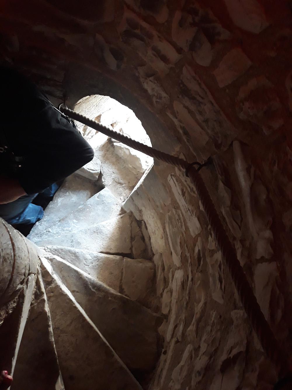Escaleras para subir al campanario