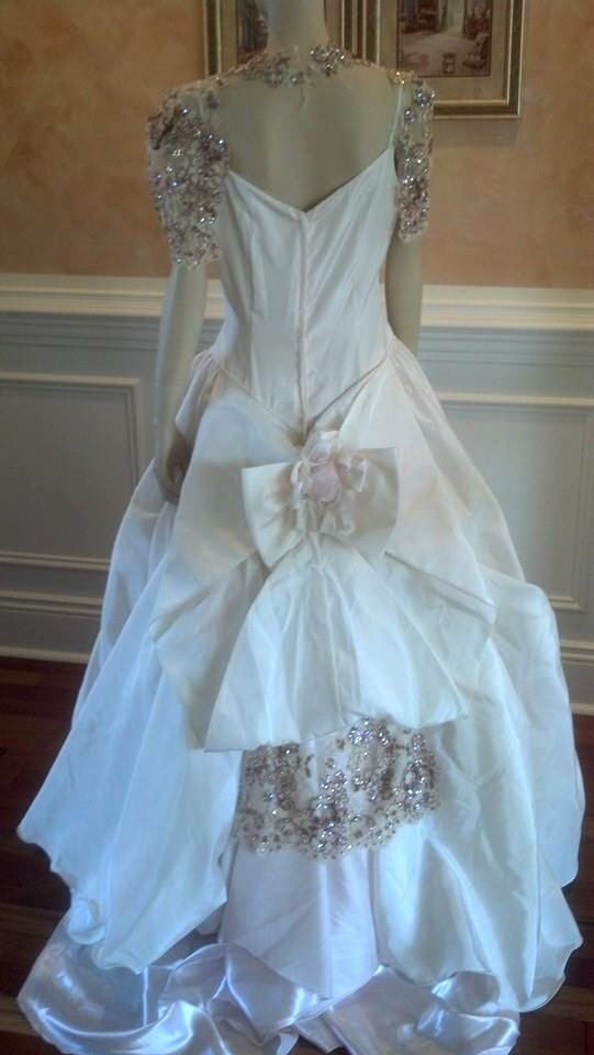 pnk wht Victorian Recreation B