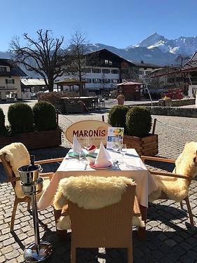 BHG gedeckter Tisch MARONIS.jpg