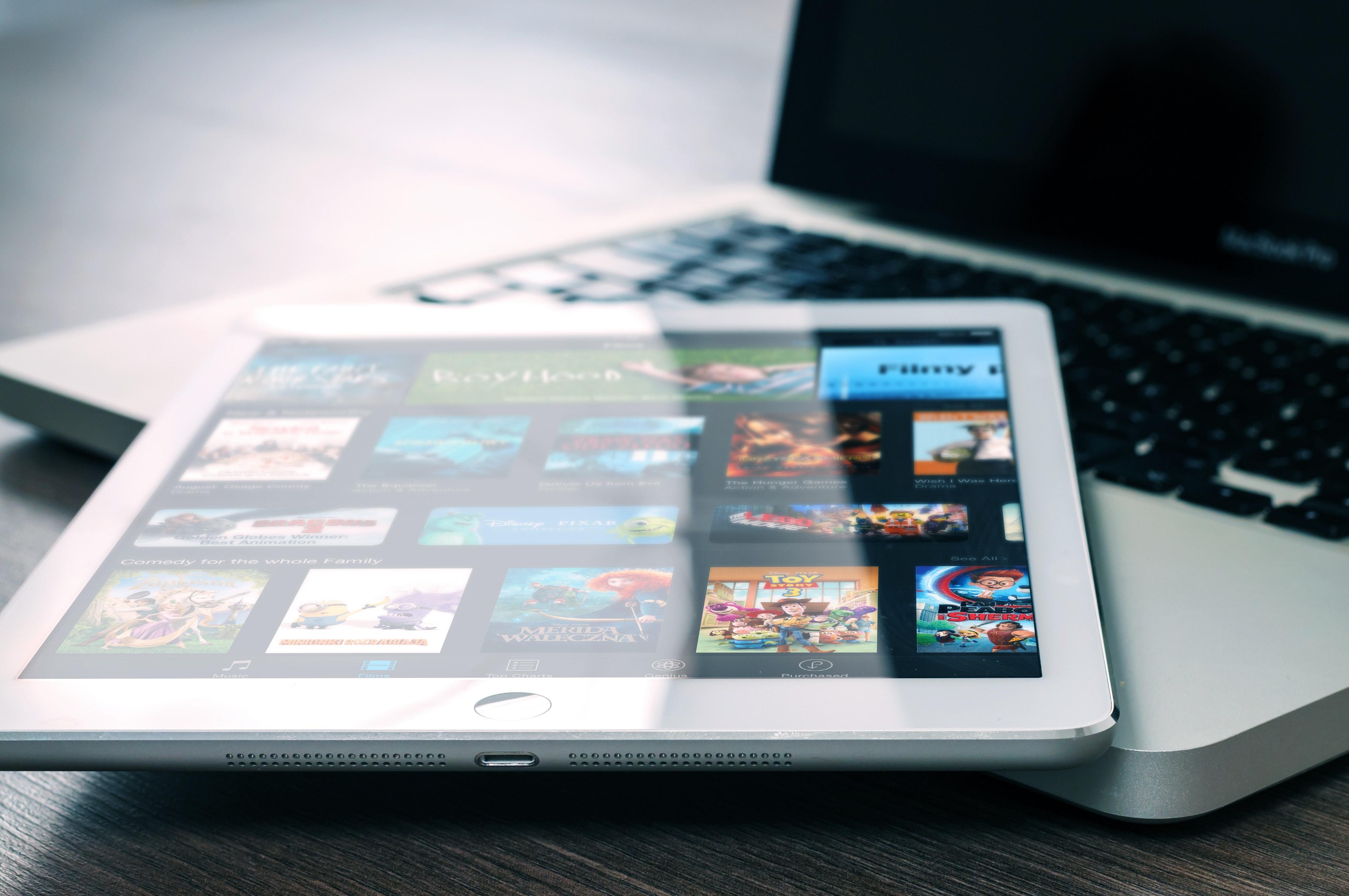 entertainment-ipad-mockup-265685