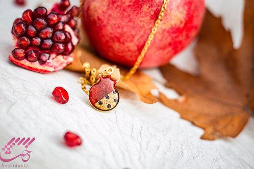 گردنبند رزین اناری, Pomegranate shape necklace