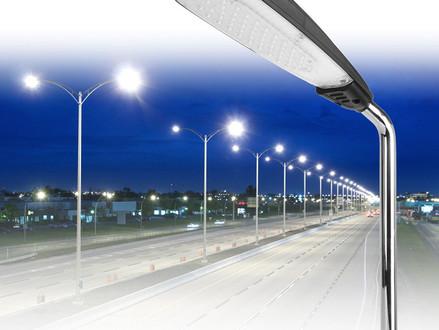 תאורת כבישים סולארית