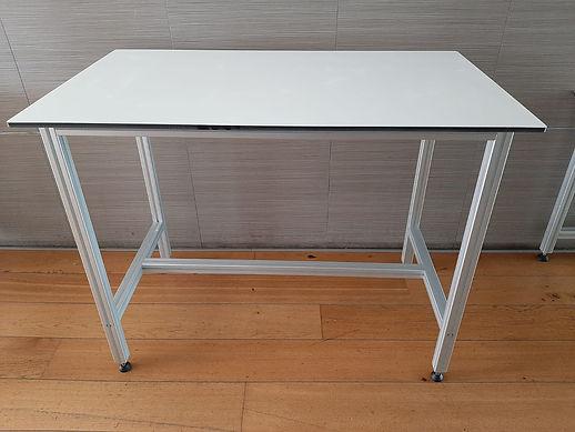 שולחן מעבדה חדרים נקיים